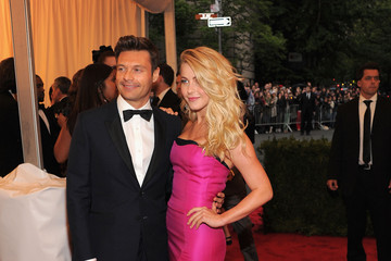 "Ryan Seacrest Julianne Hough NY: ""Schiaparelli And Prada: Impossible Conversations"" Costume Institute Gala"