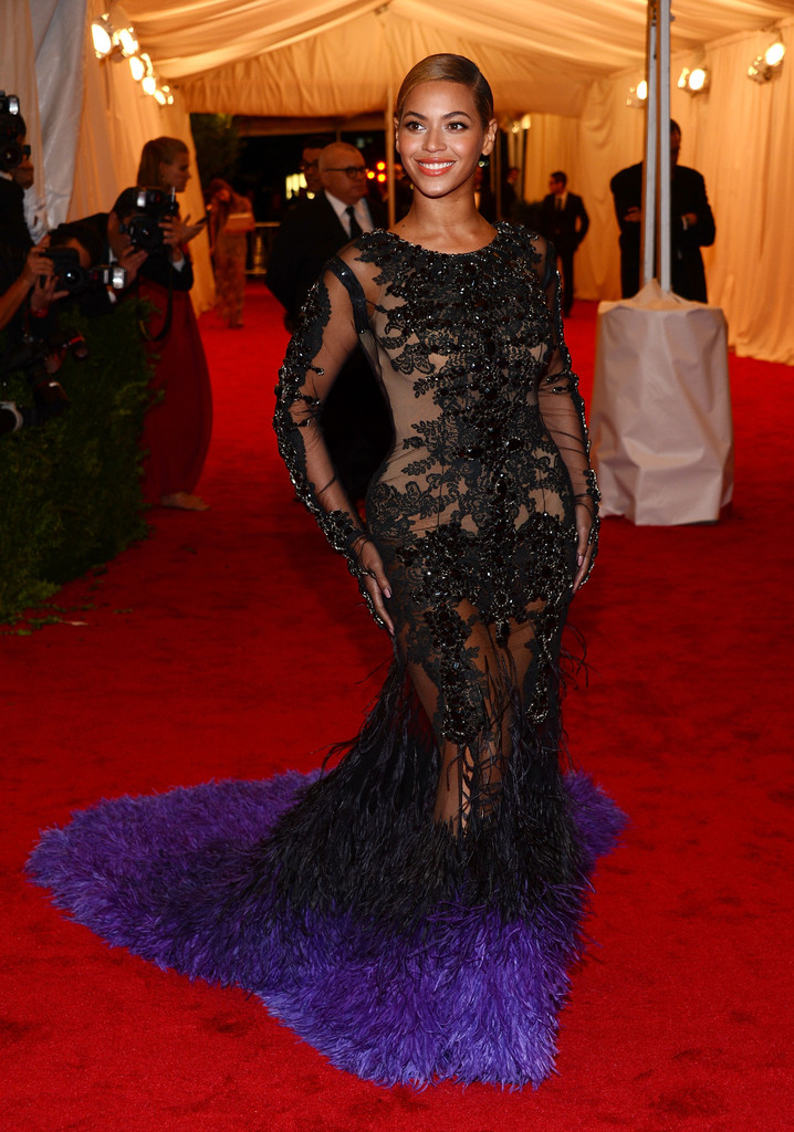"Beyonce Knowles attends the ""Schiaparelli And Prada: Impossible Conversations"" Costume Institute Gala at the Metropolitan Museum of Art on May 7, 2012 in New York City."