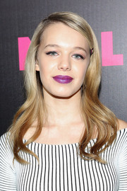 Sadie Calvano achieved a striking beauty look with her bold berry lipstick.