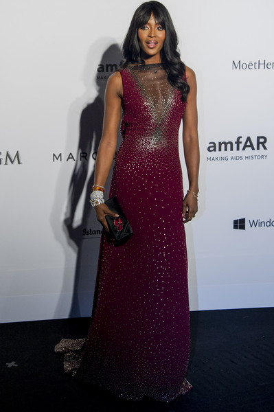 Naomi Campbell Satin Clutch [gown,fashion model,dress,flooring,shoulder,formal wear,fashion,cocktail dress,carpet,fashion show,arrivals,naomi campbell,red carpet,hong kong,amfar,shaw studios,gala]