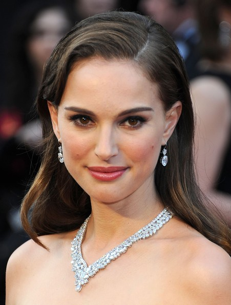 Natalie Portman Side Sweep