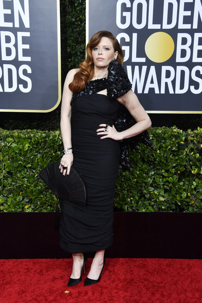 Natasha Lyonne Leather Clutch [clothing,dress,carpet,red carpet,shoulder,little black dress,premiere,cocktail dress,footwear,flooring,arrivals,natasha lyonne,the beverly hilton hotel,beverly hills,california,golden globe awards,kerry washington,red carpet,little black dress,celebrity,75th golden globe awards,dress,fashion,actor,litex \u0161aty d\u00e1msk\u00e9 s k\u0159id\u00e9lkov\u00fdm ruk\u00e1vem. 90304901 \u010dern\u00e1 m,skirt]