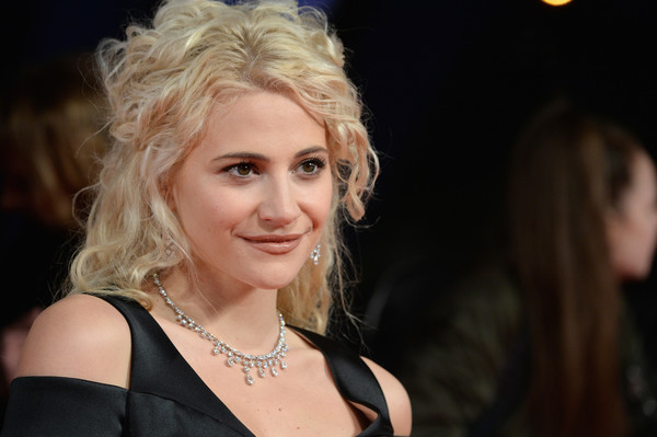 More Pics of Pixie Lott Diamond Collar Necklace (1 of 15) - Collar Necklace Lookbook - StyleBistro [hair,face,blond,lady,hairstyle,beauty,eyebrow,chin,lip,human,red carpet arrivals,pixie lott,national television awards,london,united kingdom]