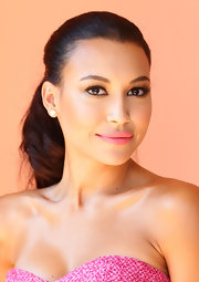 Naya matched her beauty look to her red carpet look when she donned this cotton candy pink lip color.