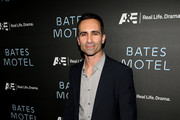 Nestor Carbonell Men's Suit