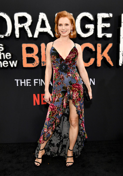 More Pics of Alicia Witt Strappy Sandals (1 of 2) - Alicia Witt Lookbook - StyleBistro [season,orange is the new black,clothing,fashion model,dress,premiere,fashion,red carpet,footwear,carpet,shoulder,leg,alicia witt,afterparty 2019,orange,new york city,netflix,premiere,world premiere screening]