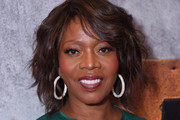 Alfre Woodard Short Wavy Cut