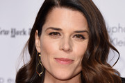 Neve Campbell Medium Curls