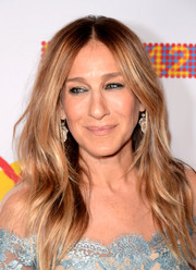 Sarah Jessica Parker wore her hair down in mildly messy layers during the New 42nd Street 25th Anniversary Gala.