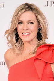Deborah Norville wore her hair in messy-glam waves at the New York City Ballet 2018 Spring Gala.