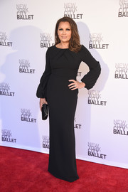 Vanessa Williams was all about understated elegance in a structured black column dress by Pamella Roland during the New York City Ballet Spring Gala.