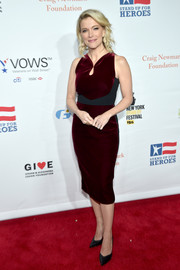 Megyn Kelly donned a wine-red velvet dress with a contrast waistband for the Stand Up for Heroes event.
