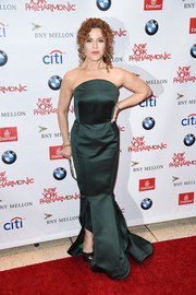 Bernadette Peters got glammed up in a strapless emerald mermaid gown by Zac Posen for the New York Philharmonic's opening gala.