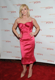 Jane Krakowski brought a heavy dose of sweetness to the New York Pops 31st birthday gala with this bow-adorned Zac Posen strapless dress.
