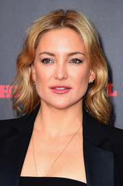 Kate Hudson looked lovely with her wavy hairstyle at the New York premiere of 'The Hateful Eight.'
