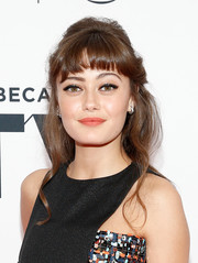 Ella Purnell channeled the '60s with this half-up bouffant at the world premiere of 'Sweetbitter.'
