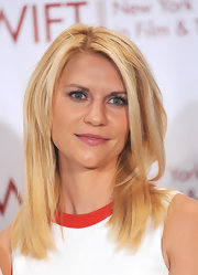 Claire Danes wore her hair in long straight layers at the 31st Annual Muse Awards.