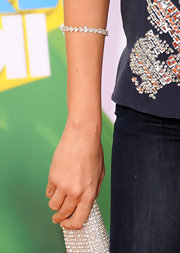 Sofia Vergara paired her casual look with a 22-carat heart shaped diamond bracelet set in platinum.