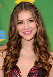 Nathalia Ramos looked pretty with her bouncy curls at Nickelodeon's 24th Annual Kids' Choice Awards.