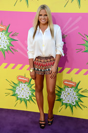 Ali Simpson chose a loose button down for her casual but cool look at the Kids' Choice Awards.