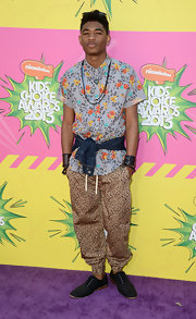 Nadji Jeter wasn't afraid to mix patterns when he paired this leopard pant with a floral top.