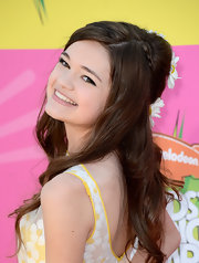 Ciara Bravo chose a totally fun and free spirited look with this half up, half down look with daisies accenting her hair.
