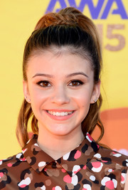 G. Hannelius looked endearing with her braid-wrapped ponytail at the Kids' Choice Awards.