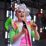 JoJo Siwa sported face painting while performing at Nickelodeon's SlimeFest.
