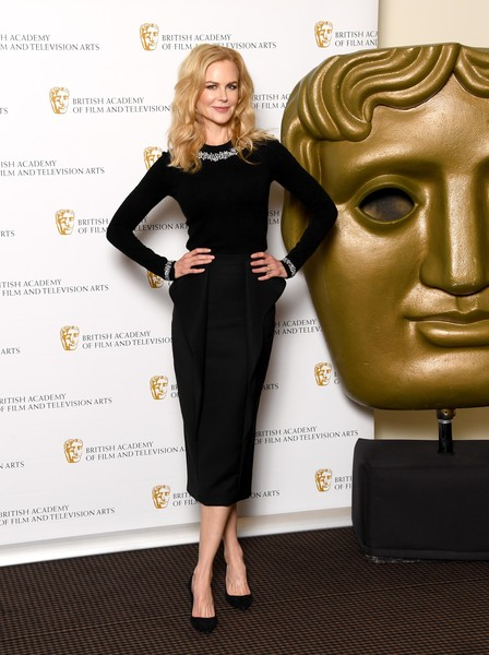 Nicole Kidman polished off her look with a structured pencil skirt, also by Michael Kors.
