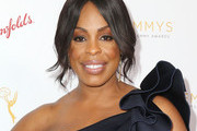 Niecy Nash Loose Bun