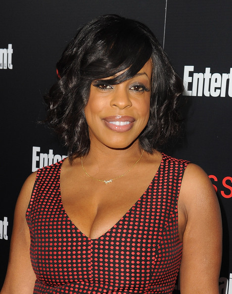 Niecy Nash Curled Out Bob [hair,hairstyle,black hair,bangs,long hair,bob cut,lace wig,layered hair,brown hair,niecy nash,nominees,essie - arrivals,nominees,sag awards,chateau marmont,tnt tbs,entertainment weekly,entertainment weekly celebration honoring this year,celebration]