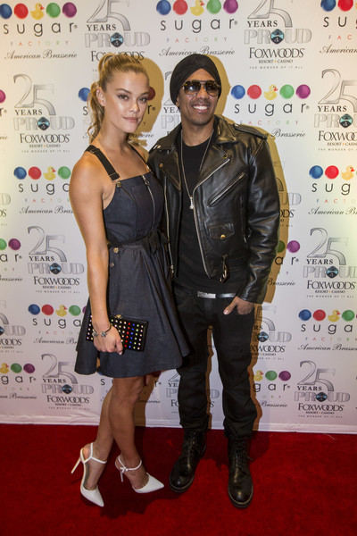 Nina Agdal Pumps [clothing,carpet,fashion,red carpet,fashion design,event,footwear,flooring,dress,premiere,nick cannon,nina agdal,red carpet,host sugar factory american brassiere grand opening,foxwoods resort casino,mashantucket,connecticut]
