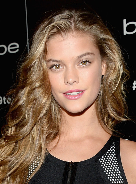Nina Agdal Beauty