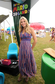 Aviva Drescher looked fresh in her printed maxi-dress during a Nintendo 3DS event.