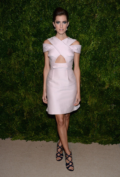 More Pics of Allison Williams Pompadour (1 of 10) - Allison Williams Lookbook - StyleBistro