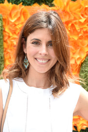 Jamie-Lynn Sigler kept it casual with these mildly messy waves at the Veuve Clicquot Polo Classic.