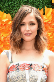 Rose Byrne looked very pretty wearing this side-parted wavy 'do at the Veuve Clicquot Polo Classic.