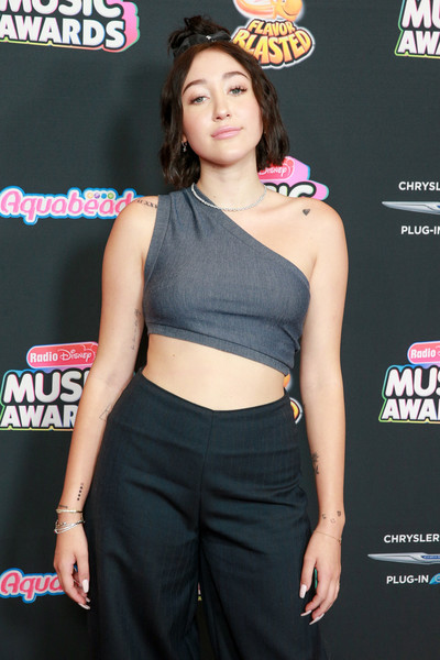Noah Cyrus Crop Top [clothing,abdomen,waist,trunk,leg,human body,premiere,navel,muscle,crop top,arrivals,noah cyrus,hollywood,california,loews hollywood hotel,radio disney music awards]
