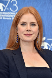 Amy Adams jazzed up her look with a pair of dangling gemstone earrings by Jennifer Meyer.