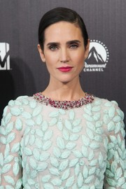 Jennifer Connelly went for simple elegance with this sleek side-parted ponytail at the premiere of 'Noah' in Madrid.