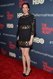 Liv Tyler attended the premiere of 'The Normal Heart' wearing a coin-embellished lace LBD by Dolce & Gabbana.