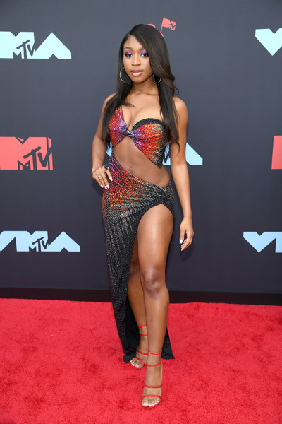 Normani Strappy Sandals [red carpet,clothing,carpet,thigh,leg,fashion,flooring,long hair,fashion model,navel,mtv video music awards,normani,prudential center,newark,new jersey,arrivals]