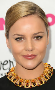 Abbie Cornish paired her naturally beautiful look with sheer lip gloss.