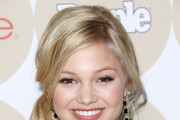 Olivia Holt Loose Ponytail