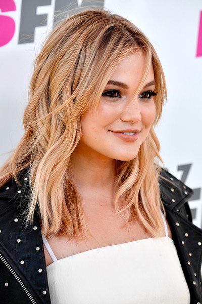Olivia Holt Medium Wavy Cut with Bangs