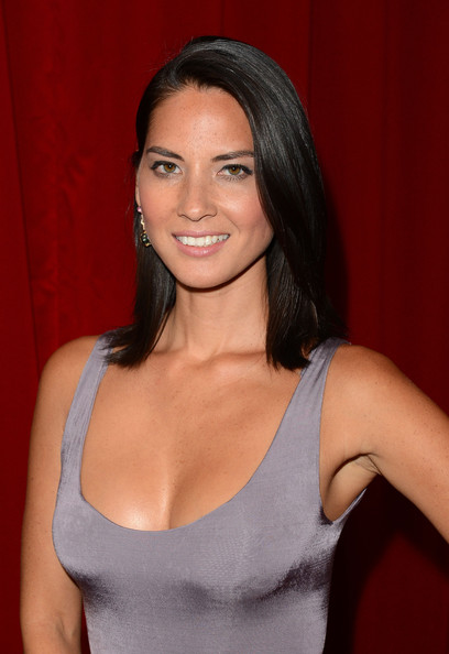 Olivia Munn Medium Straight Cut