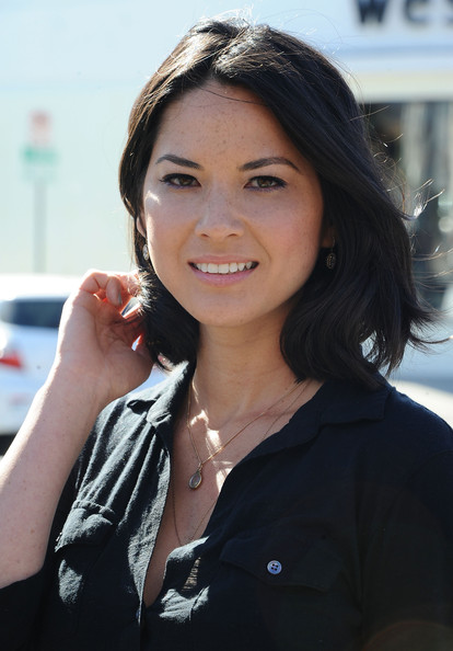 More Pics of Olivia Munn Mid-Length Bob (1 of 32) - Olivia Munn Lookbook - StyleBistro