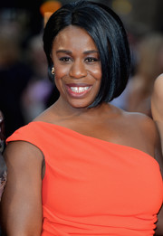 Uzo Aduba framed her face with this cute bob for the Olivier Awards.
