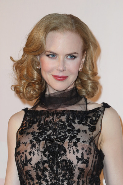 More Pics of Nicole Kidman Evening Dress (3 of 11) - Nicole Kidman Lookbook - StyleBistro