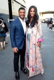 Ciara looked regal in a floor-sweeping pink kimono by Zuhair Murad at the 'One Voice: Somos Live!' concert.